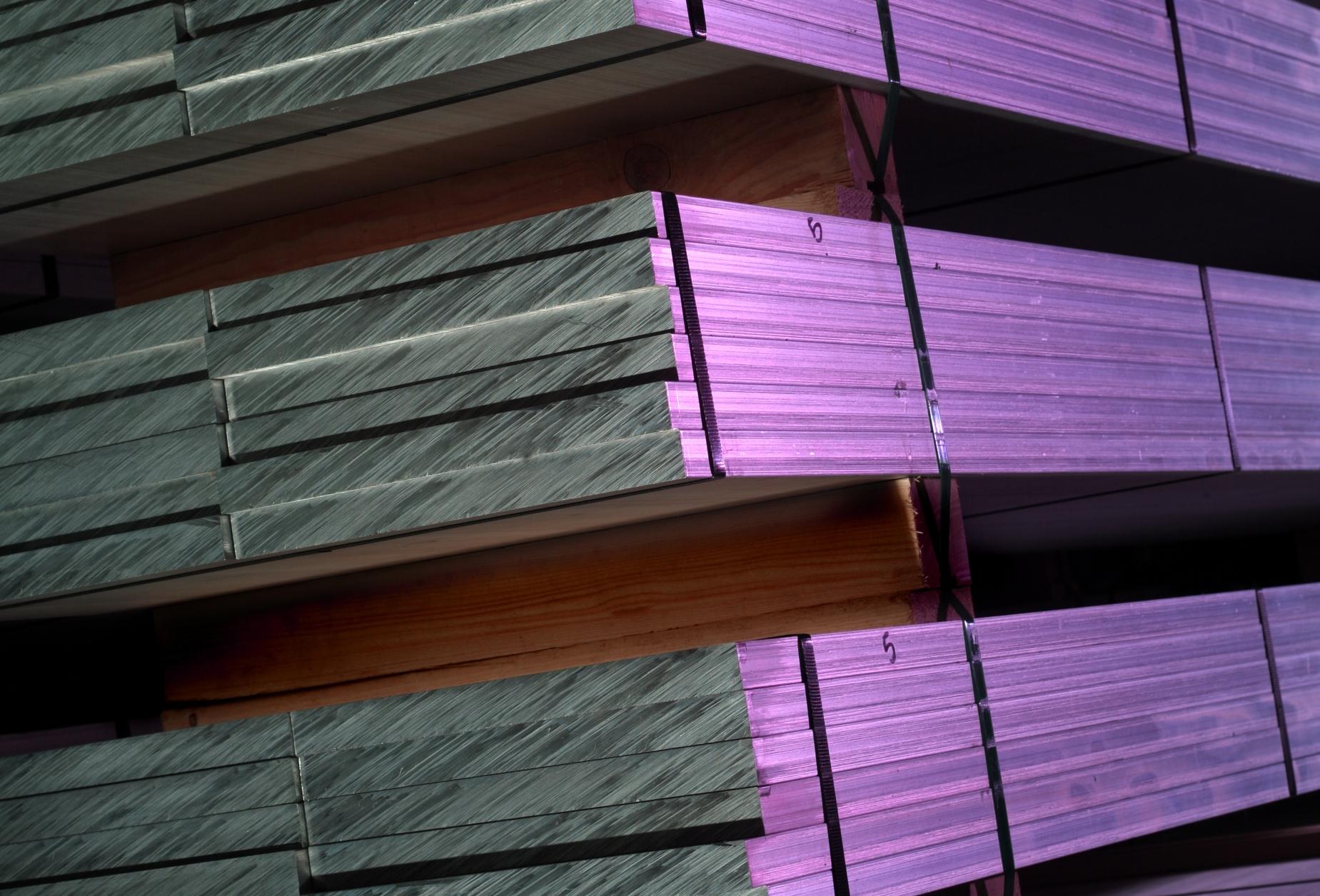 Aluminium Extruded Bar | Metal Web | UK metals stockholder